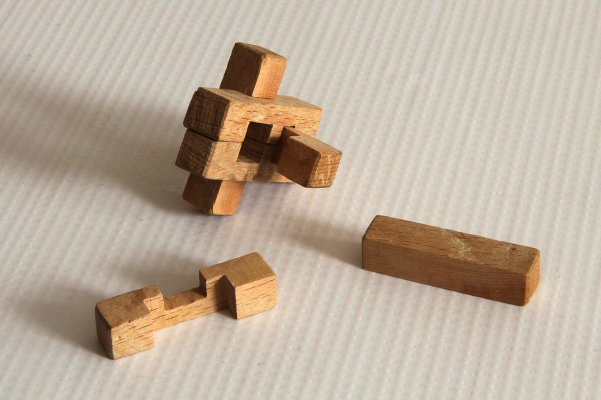 Самодельные деревянные головоломки